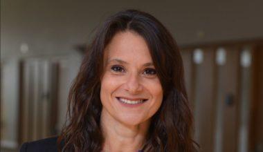 Académica Andrea Repetto analiza el mercado laboral chileno